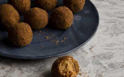 Biscuit Date Balls