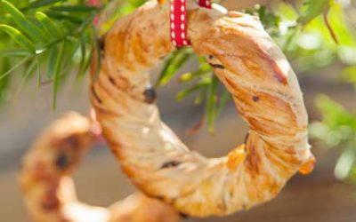 Festive Wreath Bread Decorations