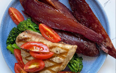 Seared Tuna with Purple Potato Wedges & Citrus Dressed Broccoli